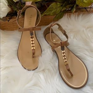 Report women's size 7.5 tan sandals